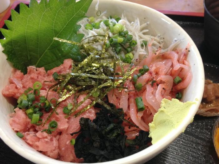 静岡三色丼